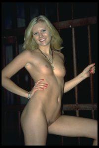 fröhliche blonde Muschi